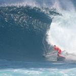 Corran Stand Up Paddle Surfs Waimea