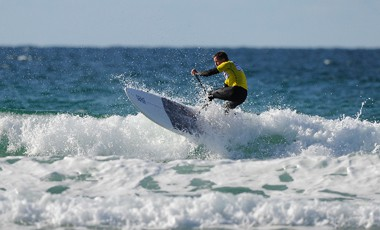 neal gent stand up paddle surfing