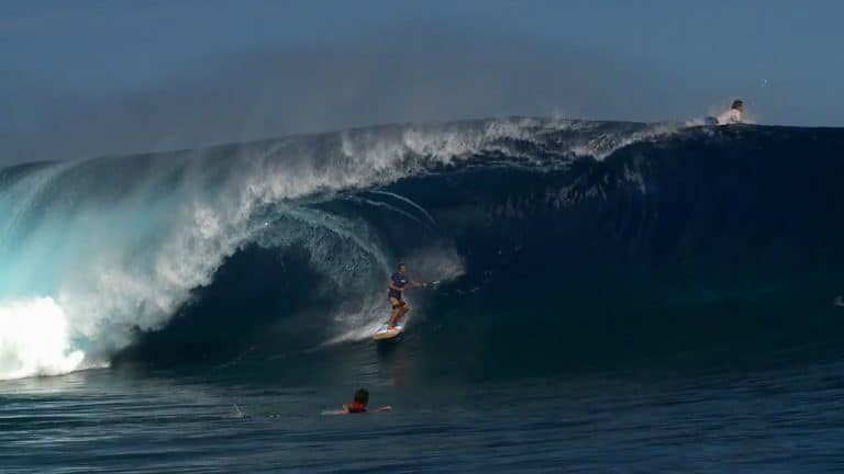 SUPing Teahupoo with Patrice Chanzy